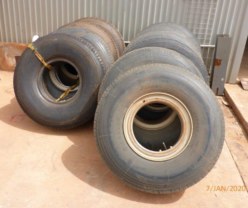 Quantity New & Used 10R15 Tyres & Spider Rims